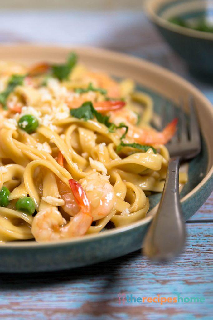 Cream-Free Shrimp Alfredo