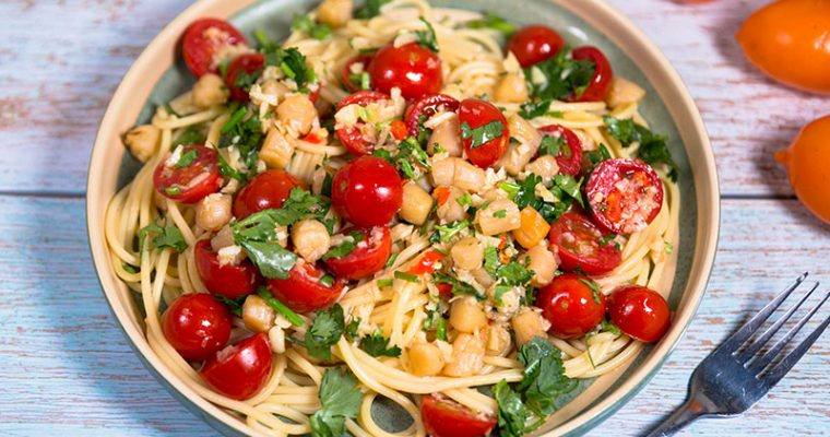 Pasta with Scallop and Tomatoes